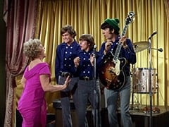 Madame Rantha (Elisabeth Camp), Micky Dolenz, Davy Jones, Mike Nesmith