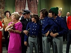 Madame Rantha (Elisabeth Camp), Rantha Mansion Guard #3 (?), Davy Jones, Micky Dolenz, Mike Nesmith