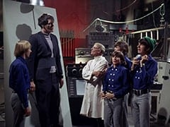 Peter Tork, Monster (Richard Kiel), Dr. Mendoza (John Hoyt), Davy Jones, Micky Dolenz, Mike Nesmith