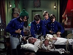 Mike Nesmith, Dr. Mendoza (John Hoyt), Micky Dolenz, Peter Tork, Davy Jones