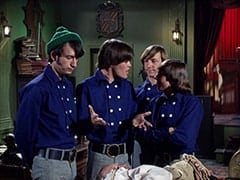 Mike Nesmith, Micky Dolenz, Groot (Byron Foulger), Peter Tork, Davy Jones