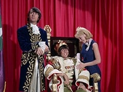 Mike Nesmith, Davy Jones, Wendy Forsythe (Heather North)
