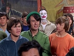 David Pearl, Micky Dolenz, David Price, Mike Nesmith, Peter Tork, Tall Brunette Extra