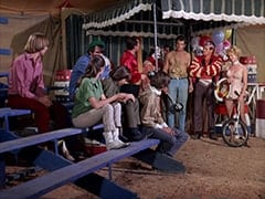 Peter Tork, Mike Nesmith, Susan (Donna Baccala), Davy Jones, Victor (Richard Devon), David Pearl, Micky Dolenz, John London, Strong Man (Gene Rutherford), David Price, Sword Swallower (Carl Carlsson), Juggler (Ruth Carlsson)
