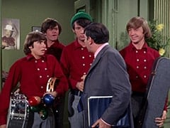 Davy Jones, Micky Dolenz, Mike Nesmith, Howard Needleman (Phil Roth), Peter Tork