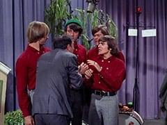 Peter Tork, Howard Needleman (Phil Roth), Mike Nesmith, Micky Dolenz, Davy Jones