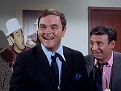 Captain Crocodile (Joey Forman), Howard Needleman (Phil Roth)