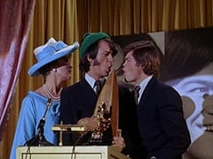 Madame Quagmeyer (Patrice Wymore), Mike Nesmith, Micky Dolenz