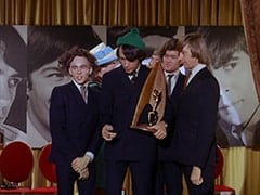 Davy Jones, Madame Quagmeyer (Patrice Wymore), Mike Nesmith, Micky Dolenz, Peter Tork