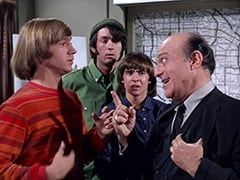 Peter Tork, Mike Nesmith, Davy Jones, Inspector Blount (Dave Barry)
