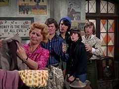 Milly Rudnick (Rose Marie), Micky Dolenz, Mike Nesmith, Davy Jones, Peter Tork
