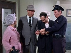 Mrs. Smith (Lea Marmer), Manny Spink (Milton Frome), Arnold (Tom Bellin), Mr. Smith (Richard O'Brien)