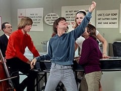 Male Violinist (?), Peter Tork, Micky Dolenz, April Conquest (Julie Newmar), Davy Jones