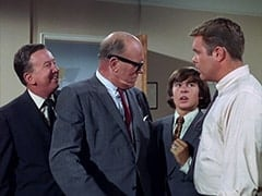 Buntz Compton (John Graham), Mr. Weatherwax (Philip Ober), Davy Jones, McKinley Baker (Dick Anders)