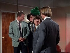 McKinley Baker (Dick Anders), Micky Dolenz, Mike Nesmith, Davy Jones, Peter Tork