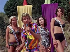 Light Blonde Extra, Frankie Catalina (Bobby Sherman), Miss Redondo Beach (?), Tina (Linda Albertano)