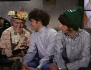 Mildred Weatherspoon (Ruth Buzzi), Micky Dolenz, Mike Nesmith