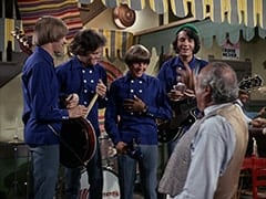 Peter Tork, Micky Dolenz, Davy Jones, Mike Nesmith, Pedro (Nacho Galindo), David Price