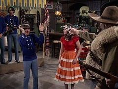 Mike Nesmith, Davy Jones, Angelita (Cynthia Hull), El Diablo (Peter Whitney)