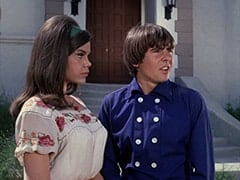 Angelita (Cynthia Hull), Davy Jones