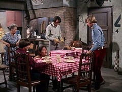 Mrs. Filchok (Queenie Smith), Davy Jones, Micky Dolenz, Mike Nesmith, Peter Tork