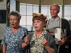 Mrs. Filchok (Queenie Smith), Mrs. Homer (Violet Carlson), Mr. Swezey (Peter Brocco)