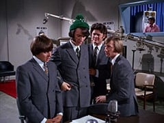 Davy Jones, Mike Nesmith, Micky Dolenz, Peter Tork, Camera Man (David Pearl)