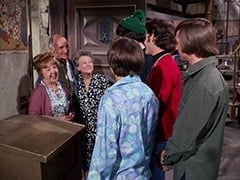 Mrs. Homer (Violet Carlson), Mr. Swezey (Peter Brocco), Mrs. Filchok (Queenie Smith), Davy Jones, Mike Nesmith, Micky Dolenz, Peter Tork