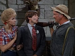 Ella Mae Chubber (Melody Patterson), Davy Jones, Paw Chubber (Dub Taylor)