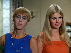 Nan (Carol Worthington), Jan (Christine Williams)