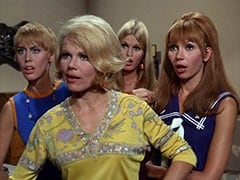 Nan (Carol Worthington), Queenie (Corinne Cole), Jan (Christine Williams), Ann (Ginny Gan)