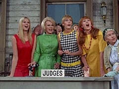 Jan (Christine Williams), Queenie (Corinne Cole), Nan (Carol Worthington), Ann (Ginny Gan)
