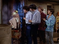 Mildred Weatherspoon (Ruth Buzzi), Micky Dolenz, Mike Nesmith, Peter Tork, Davy Jones