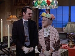 Henry Weatherspoon (George Furth), Mildred Weatherspoon (Ruth Buzzi)