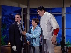 Henry Weatherspoon (George Furth), Davy Jones, Boris (Mickey Morton)