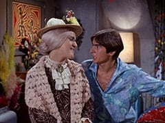 Mildred Weatherspoon (Ruth Buzzi), Davy Jones