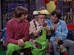 Peter Tork, Mildred Weatherspoon (Ruth Buzzi), Davy Jones