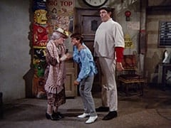 Mildred Weatherspoon (Ruth Buzzi), Davy Jones, Boris (Mickey Morton)