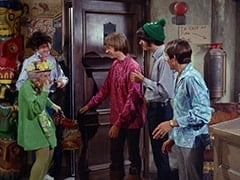 Mildred Weatherspoon (Ruth Buzzi), Micky Dolenz, Peter Tork, Mike Nesmith, Davy Jones
