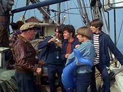 Frank Reynolds (Ted de Corsia), Mike Nesmith, Micky Dolenz, Peter Tork, Davy Jones