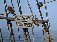 Pull this rope to raise mainsail