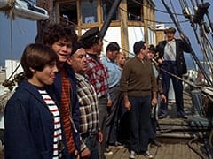 Davy Jones, Micky Dolenz, Harry Hooker (Noam Pitlik), Frank Reynolds (Ted de Corsia), Captain (Chips Rafferty)