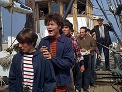 Davy Jones, Micky Dolenz, Harry Hooker (Noam Pitlik), Captain (Chips Rafferty)