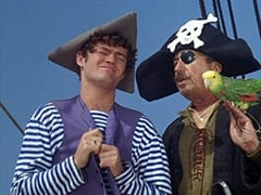 Micky Dolenz, Captain (Chips Rafferty), Horace (?)