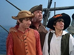 Peter Tork, Frank Reynolds (Ted de Corsia), Davy Jones