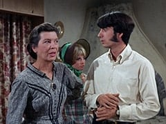 Aunt Kate Nesmith (Jacqueline De Wit), Cousin Lucy (Bonnie Dewberry), Mike Nesmith