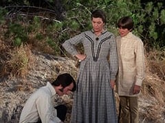 Mike Nesmith, Aunt Kate Nesmith (Jacqueline De Wit), Davy Jones
