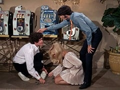 Micky Dolenz, Zelda (Joy Harmon), Mike Nesmith
