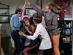 Mike Nesmith, Della (Sharyn Hillyer), Davy Jones, Peter Tork