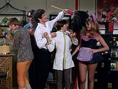 Peter Tork, Mike Nesmith, Micky Dolenz, Davy Jones, Della (Sharyn Hillyer)